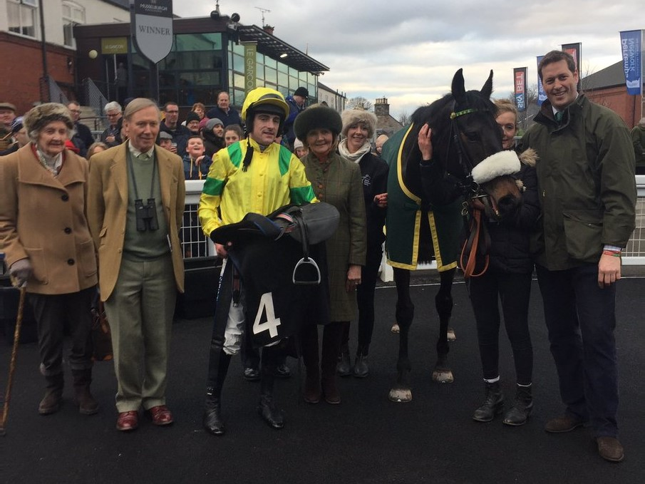 Monbeg Charmer and winning connections