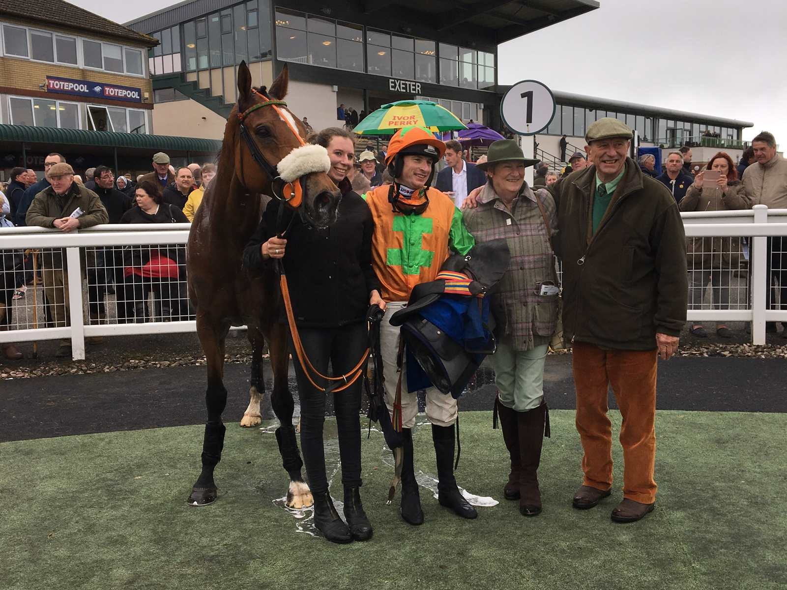 Leith Hill Lad and his winning owner-breeders at Exeter Racecourse