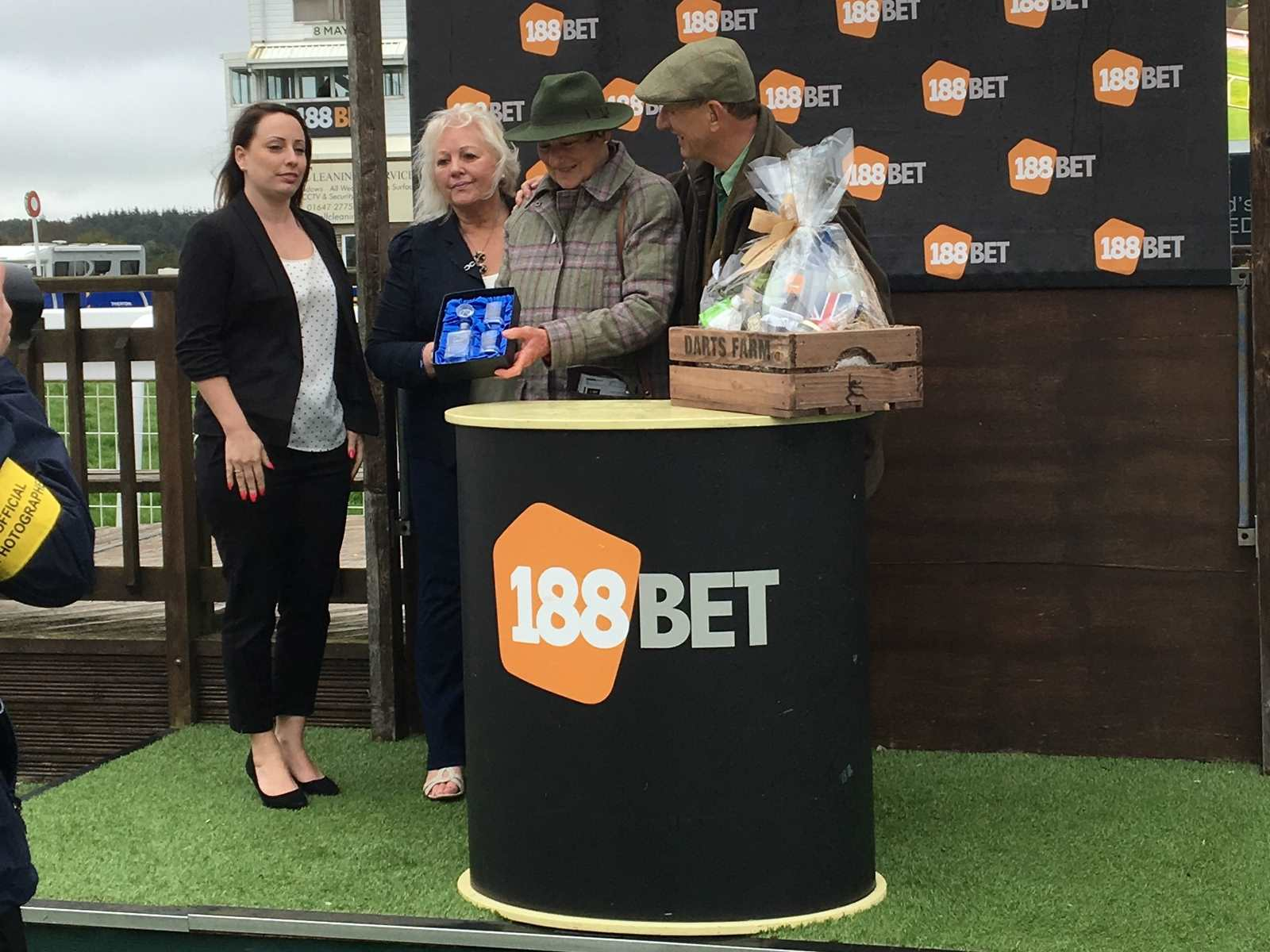 Neil & Jane Maltby collect the winning prizes at Exeter Racecourse