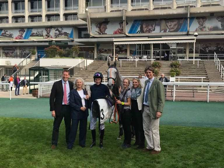 First French Winner: Snow Leopardess & James Reveley