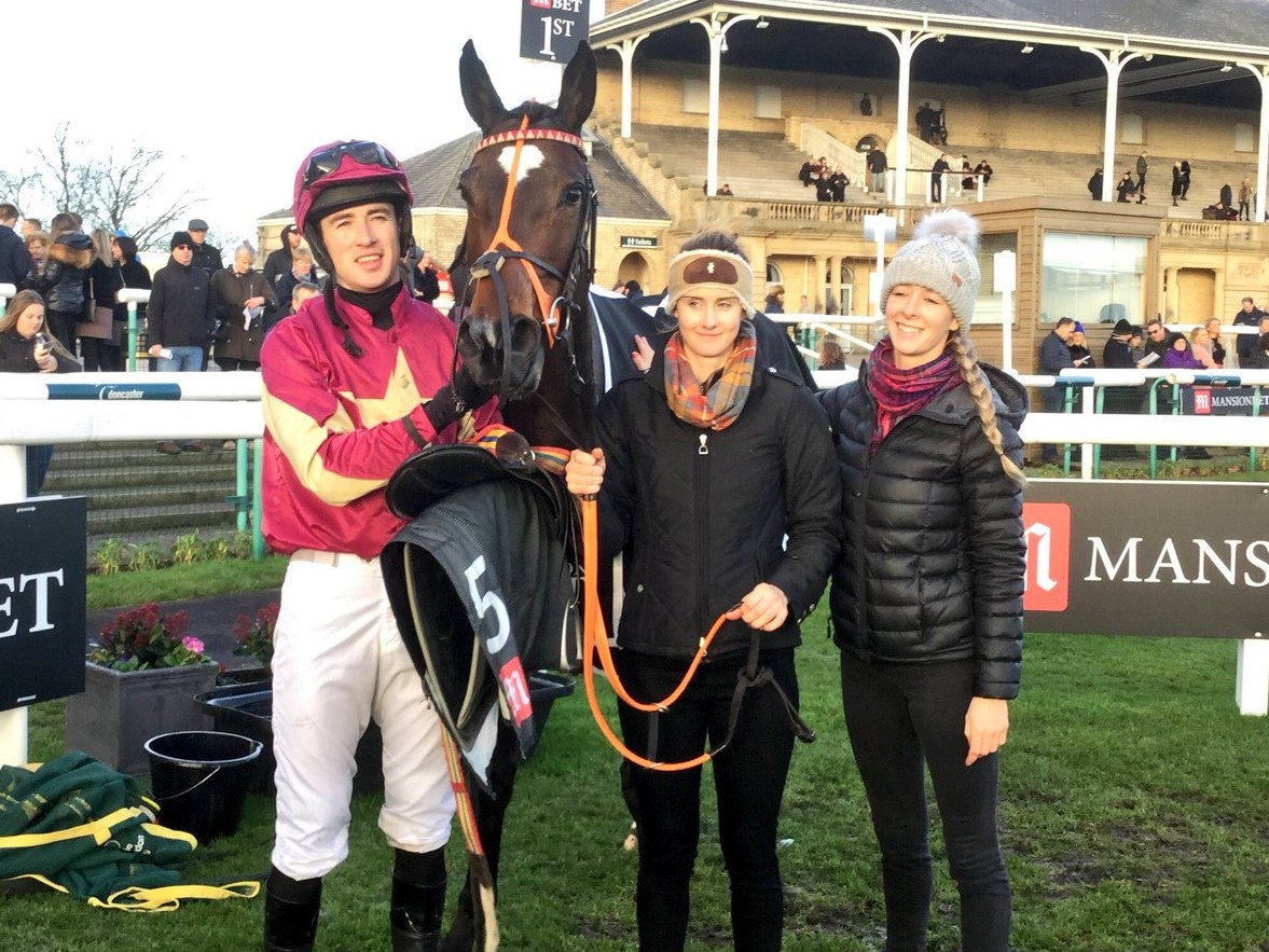 Paul, Treackle Tart, Kate and Neli after winning at Doncaster
