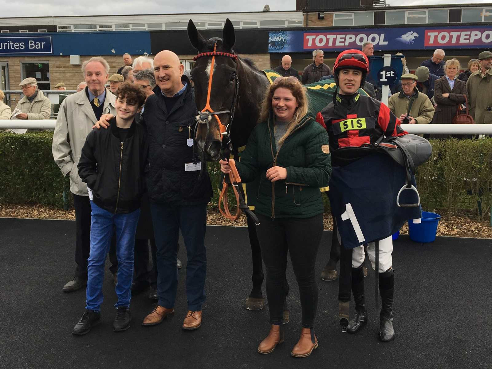 Stormy Milan, Paul O'Brien and The Charlie Longsdon Racing Club after winning at Huntingdon